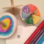 Decorate wooden spinning tops