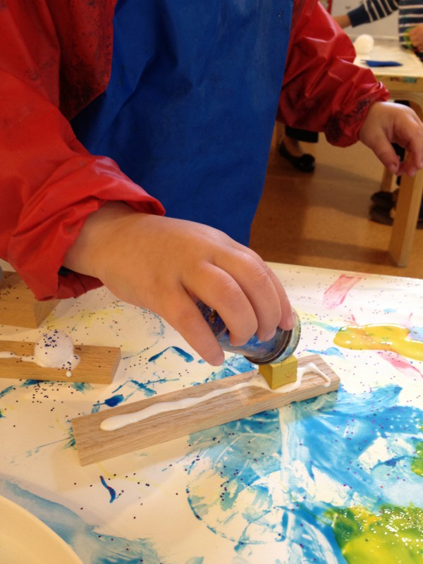 Art Explorations for 3-4s: Fridays at 10:00 (Early Fall 2021)